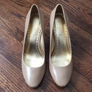 Coach nude leather stacked wooden heels, sz 7